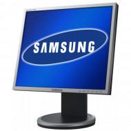 Monitor Samsung SyncMaster 940B, 19 Inch LCD, 1280 x 1024, VGA, DVI, Grad A-, Fara picior Monitoare & TV